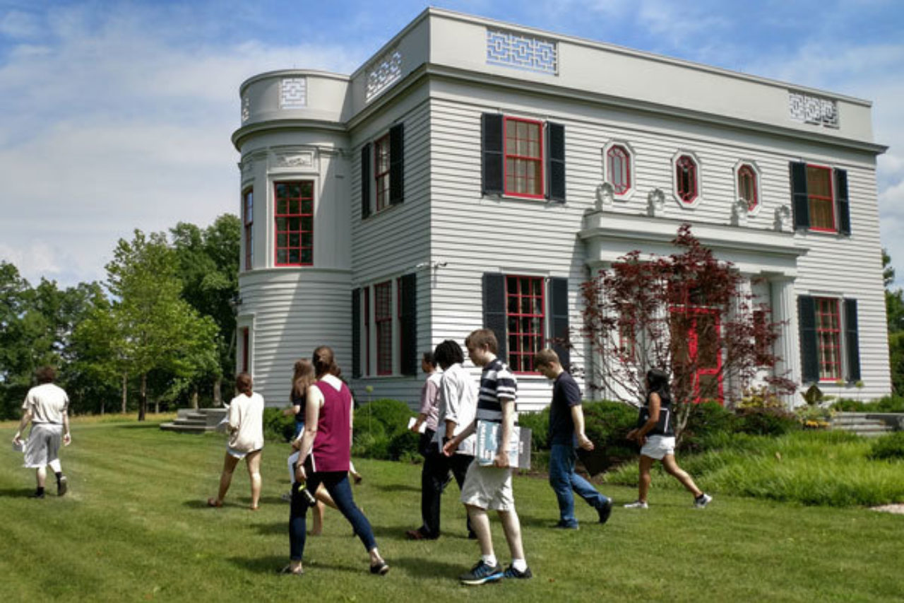 Students explore the grounds of Peter Pennoyer's and Katie Ridder's classically designed house