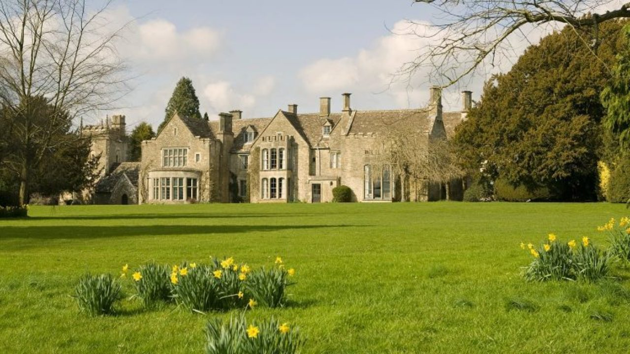 Chavenage House, an Elizabethan era Cotswold stone mansion in Gloucestershire, featured heavily in several episodes of Poirot (Series 1989 – 2013)
