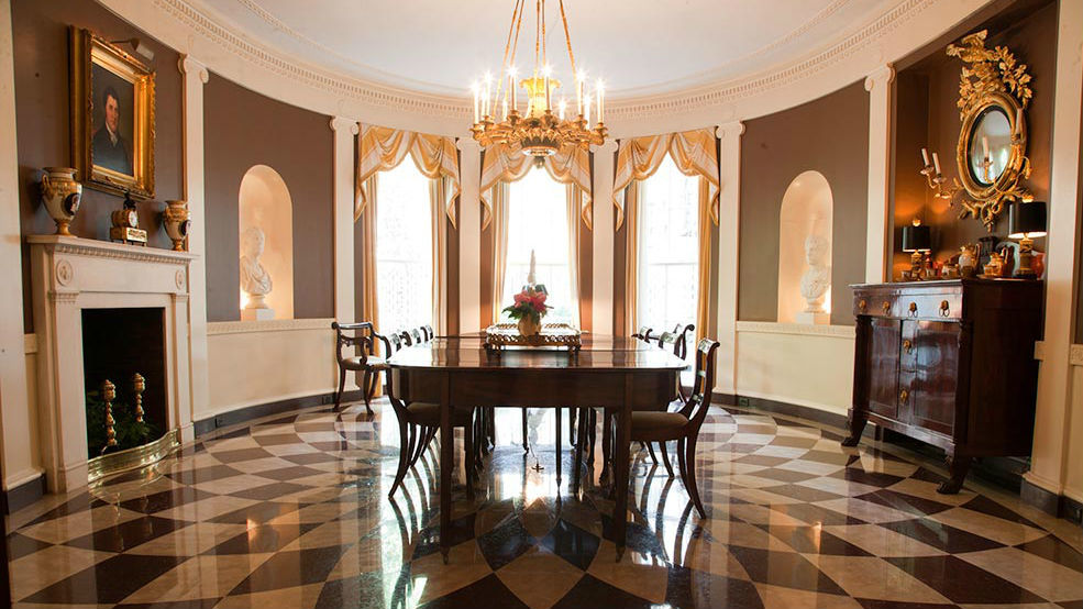 The oval dining room at 67 East 93rd. Courtesy of Classical American Homes Preservation Trust.