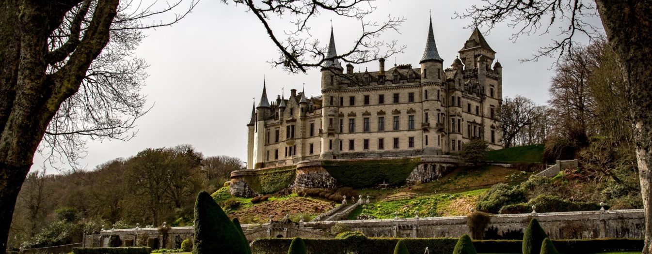 great country houses castles and gardens of the scottish highlands