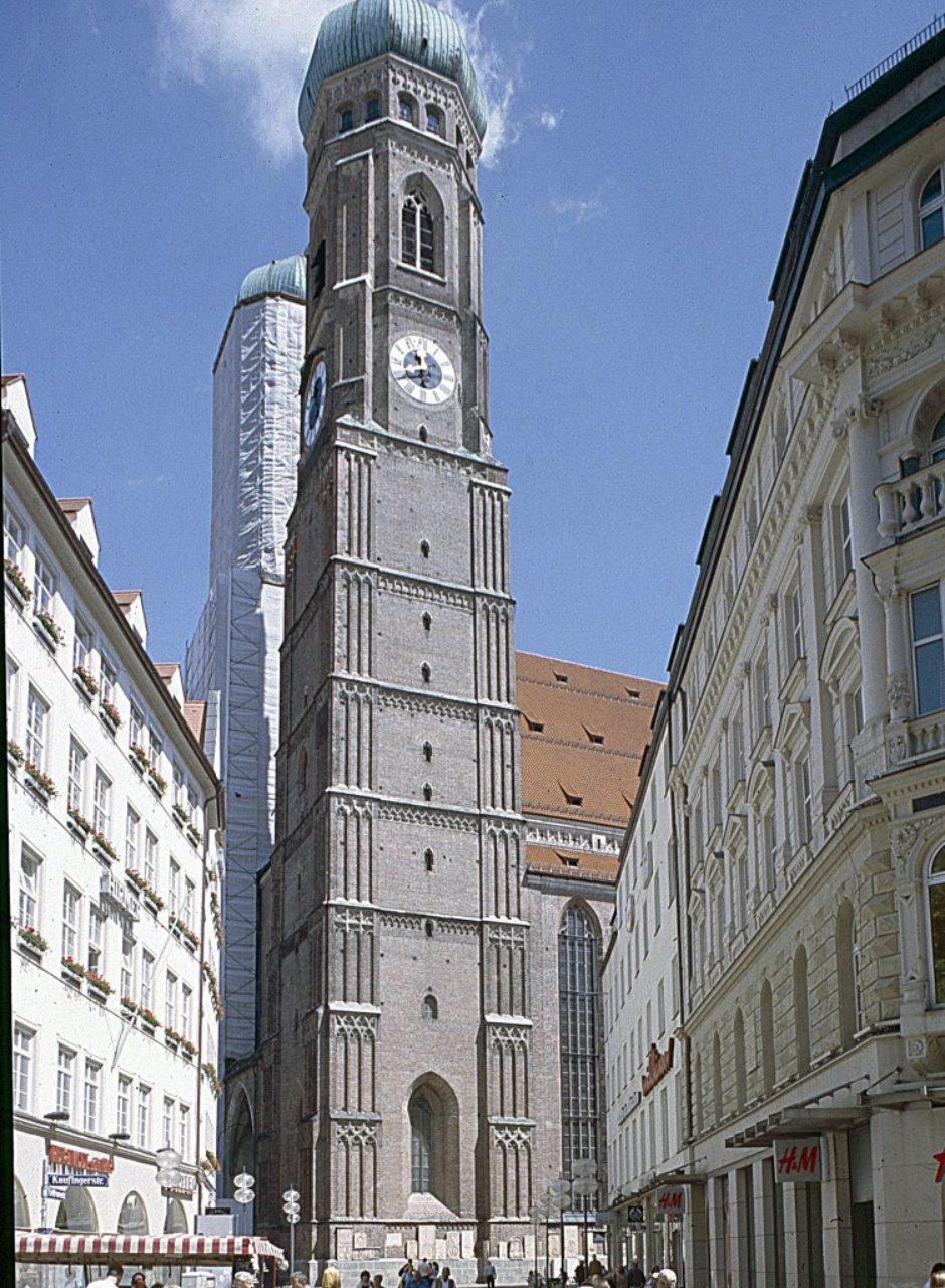 Figure 1: Frauenkirche, Munich, German (Loth)