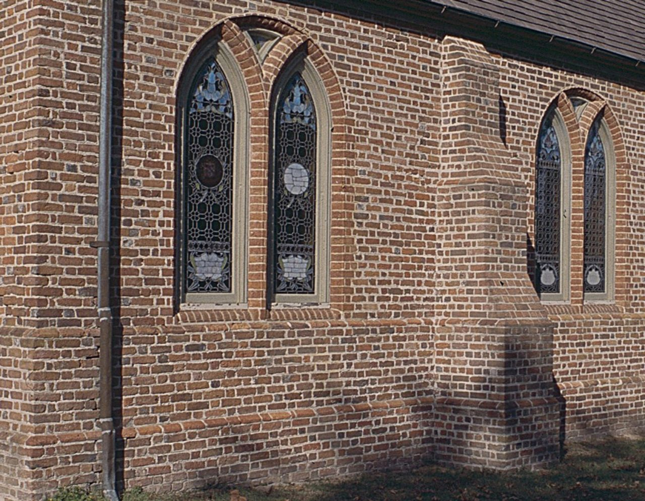 Figure 5: St. Luke's Church, south wall (Loth)