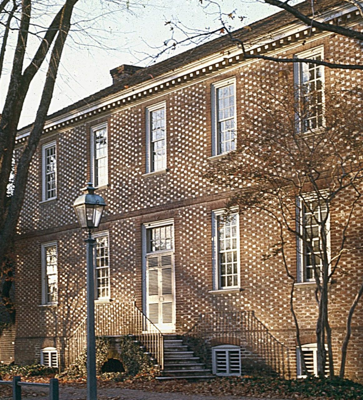 Figure7: Ludwell-Paradise House, Williamsburg, Virginia (Loth)