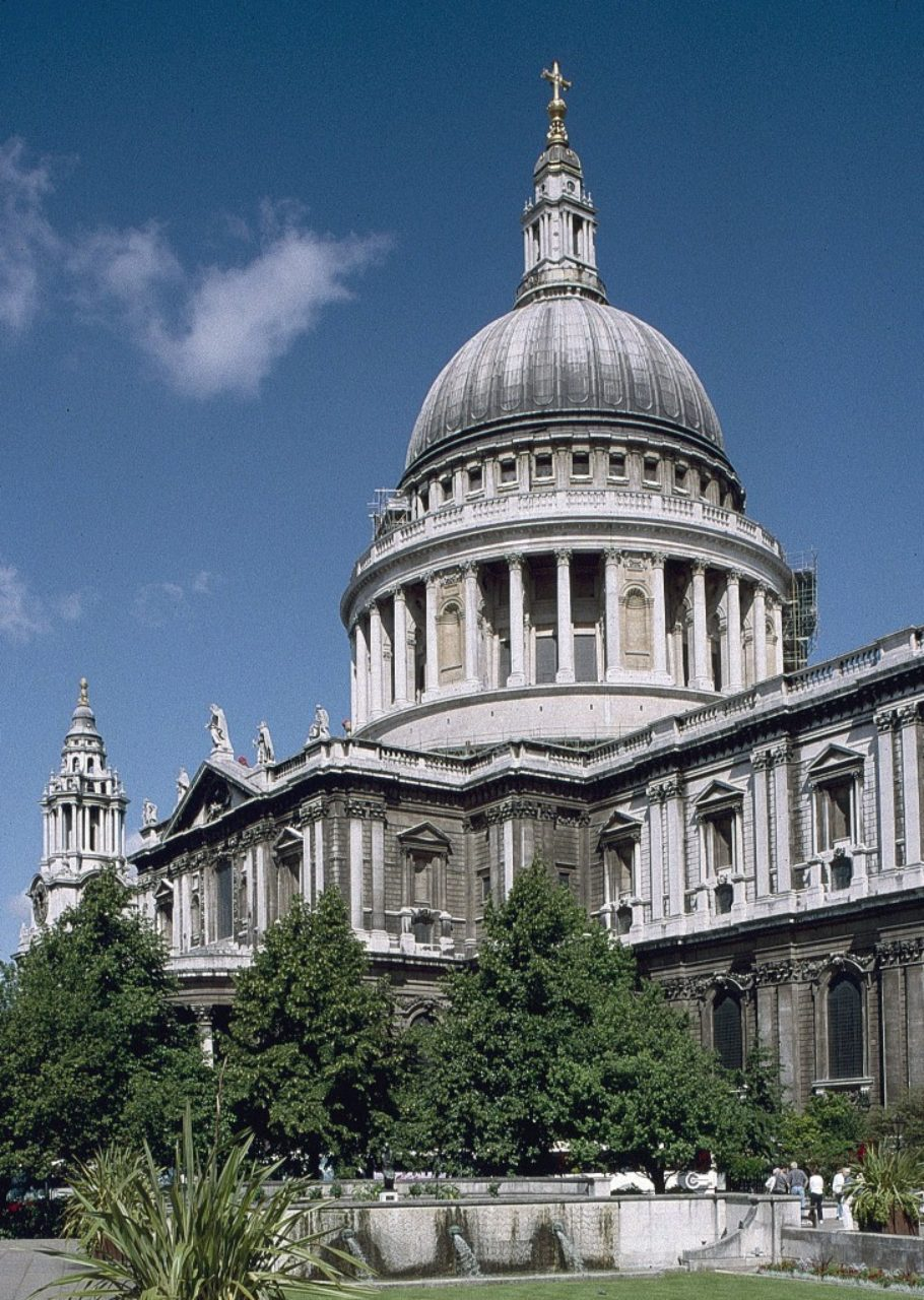 Figure 4. St. Paul's Cathedral, London (Loth)