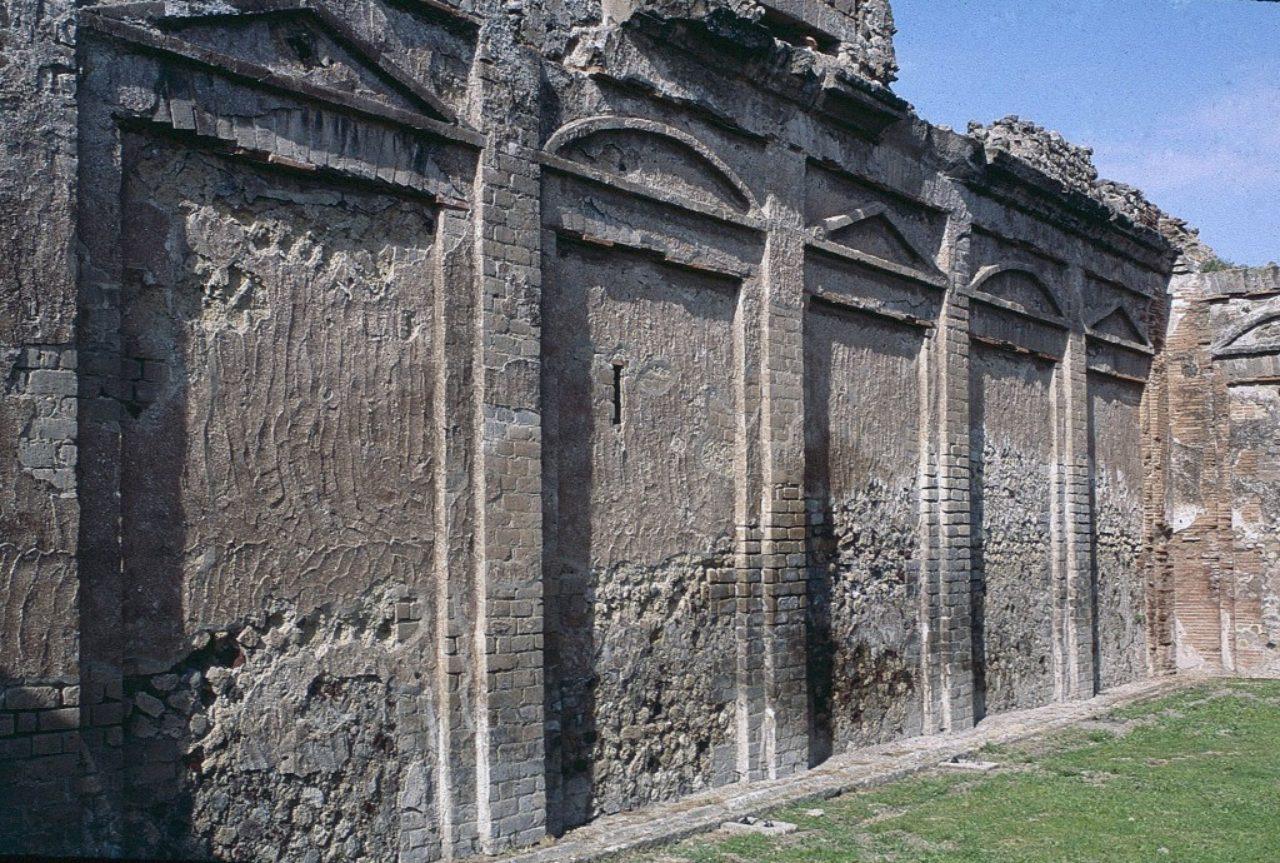 Figure 1. Temple of Vespasian, Pompeii (Loth)