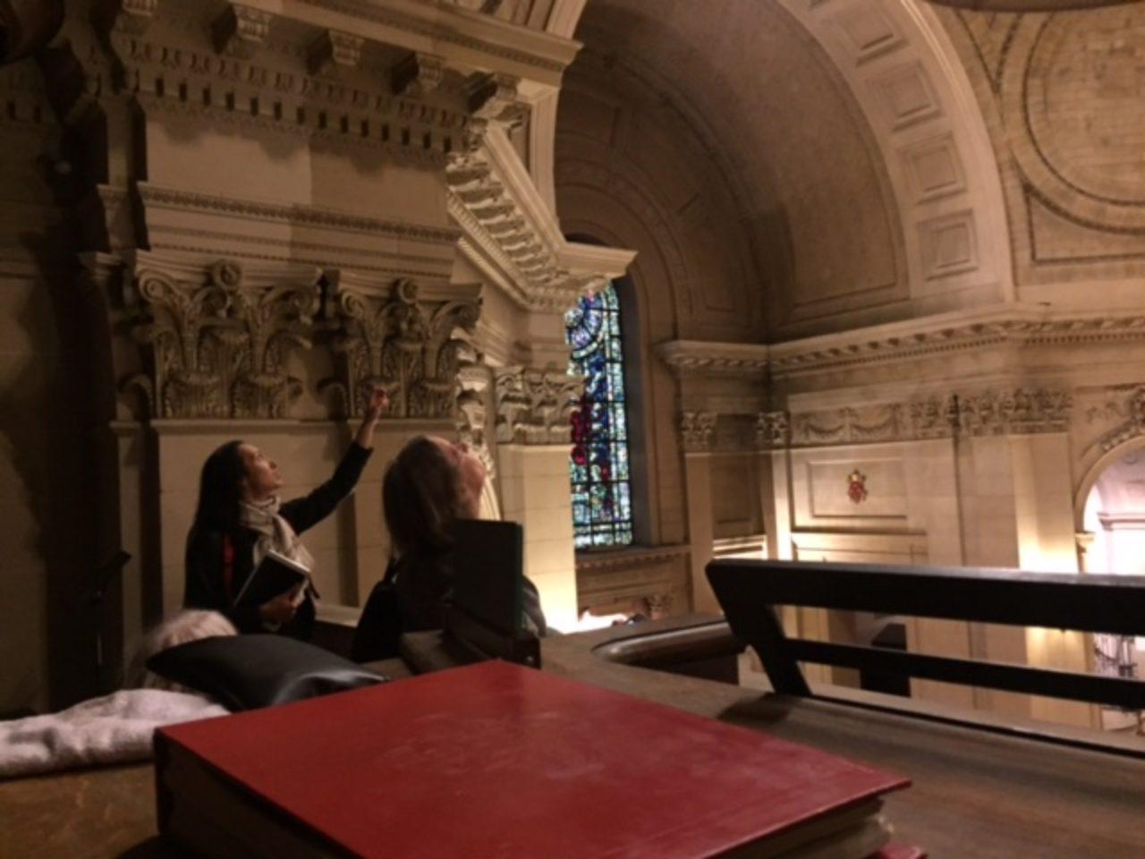 Students on a tour of the Eglise de Notre Dame